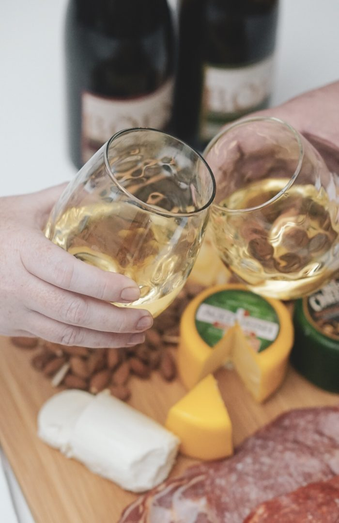 5 Easy Snacks To Serve At Your Next Wine Tasting